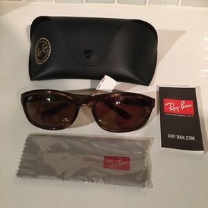 NWT Ray-Ban RB4114-642 Brown Tortoise Sunglasses